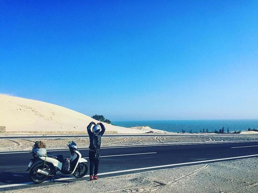 Phan Thiet - Mui Ne has a blue sea, red sand, and golden sunshine